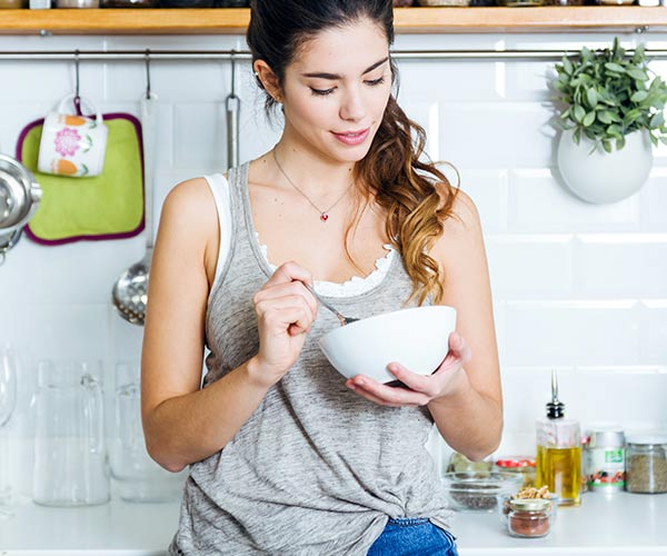 The One Anti-Inflammatory Food You Should Have First Thing In The Morning If You Want To Look 10 Years Younger