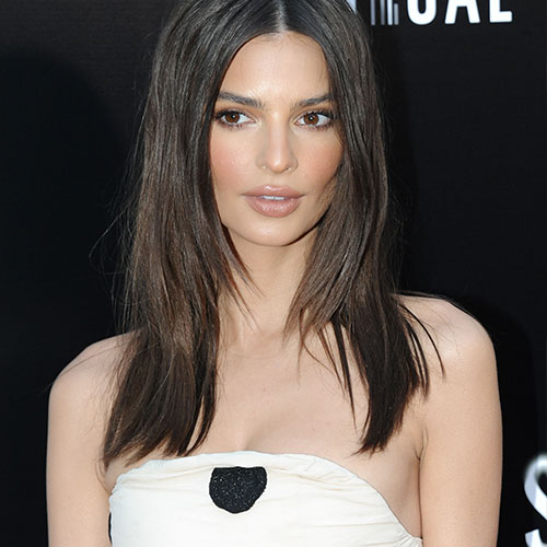 Did Emily Ratajkowski Forget To Wear Pants? She's Practically Naked In These Sexy Pics!