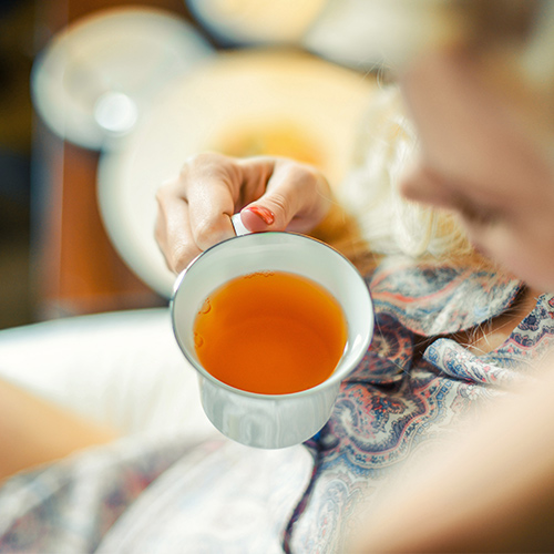 The Herbal Tea You Should Have Every Morning For A Flat Stomach, According To A Nutritionist