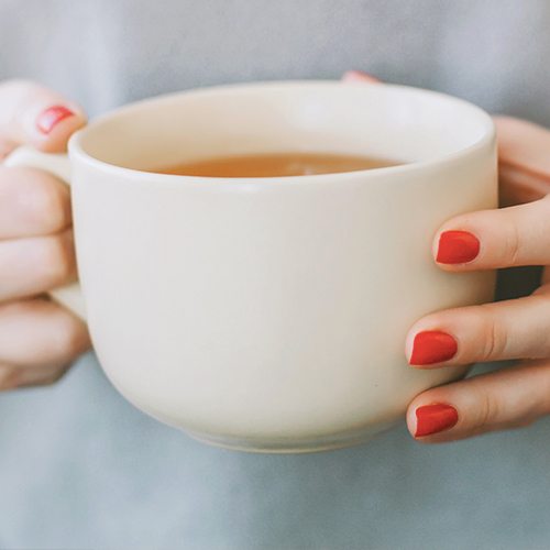 The One Anti-Inflammatory Tea That Burns Calories And Fat Fast, According To Nutritionists