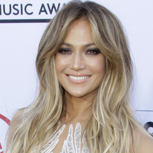 The One Styling Trick Jennifer Lopez Swears By To Look 10 Years Younger–it's So Flattering!