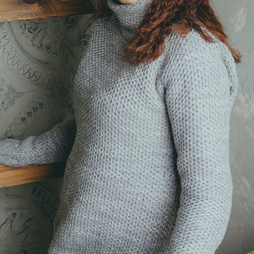 You *Need* This Cute, Cozy Turtleneck Sweater In Your Closet For Cold Winter Days