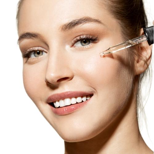 This $27 Natural Anti-Aging Facial Oil Has A 5-Star Rating