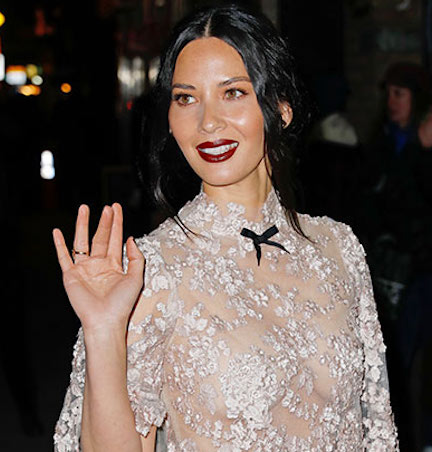 You Call This An Outfit? Olivia Munn's Barely Wearing Clothes In Her Latest Instagram!