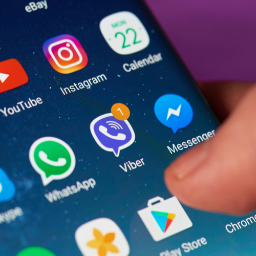 5 Apps You Should Delete From Your Phone RIGHT NOW, According To Tech Experts