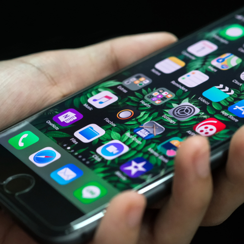 6 Apps That No One Should Have On Their iPhones Anymore, According To An Apple Employee