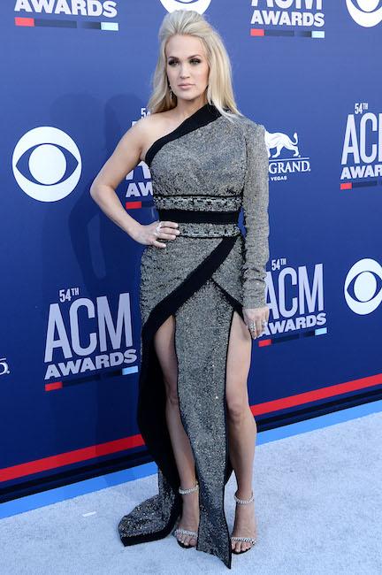 Carrie Underwood 2019 Acm Awards Shefinds