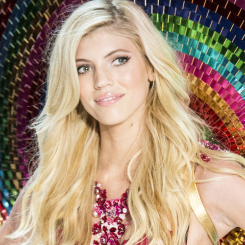 Devon Windsor Just Wore A Tiny White Bikini--& Now We Want One!