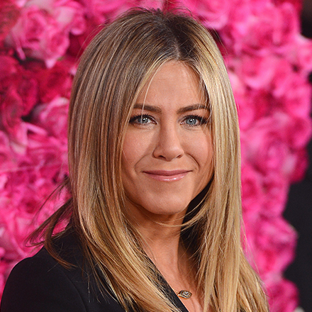 You May Need To Sit Down Before You See The Topless Photos Of Jennifer Aniston That Were Just Released