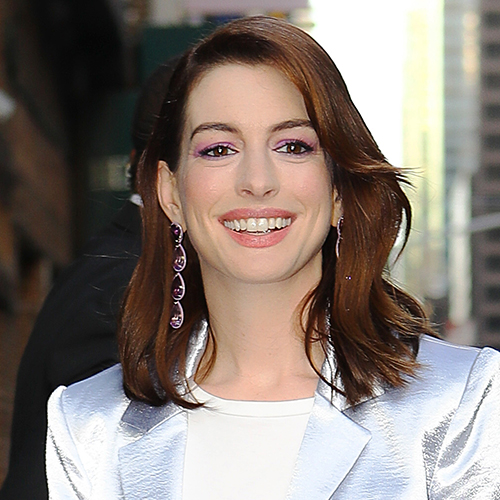 We Can't Believe Anne Hathaway Showed THIS Much Cleavage On TV–Her Outfit Is Too Hot For Words!