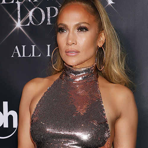 We're Surprised Jennifer Lopez Didn't Have A Major Wardrobe Malfunction On Stage–She's Practically Topless!