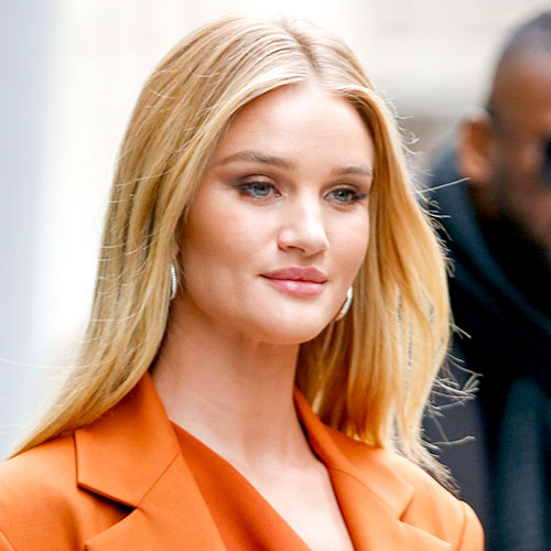 We Can't Believe How Incredible Rosie Huntington-Whiteley's Body Looks In These Lingerie Pics!