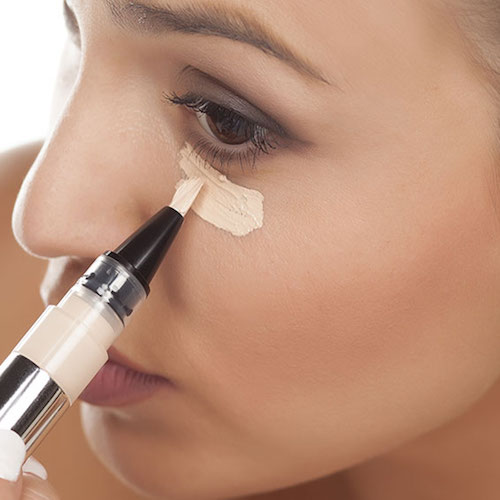 This Top-Rated Concealer Basically Makes Fine Lines & Wrinkles Disappear Like Botox