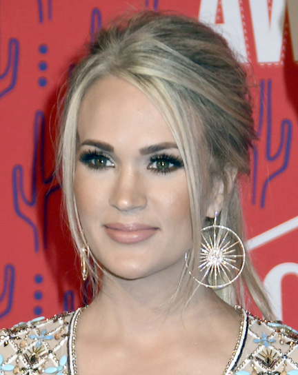 Celebrities Wore Next To Nothing At The CMT Awards—It's Unreal!