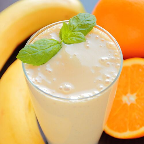 4 Calorie-Burning Smoothies Nutritionists Say Basically Blast Belly Fat