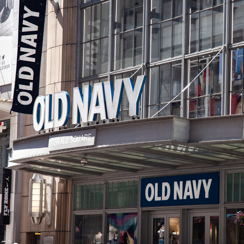 They're Practically Giving Jeans & Dresses Away At Old Navy's Labor Day Sale 2019