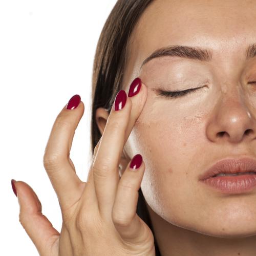 best moisturizing under-eye concealer for mature skin