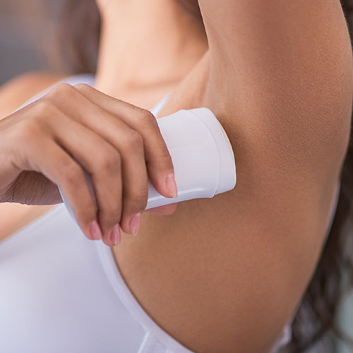 The One Antiperspirant No One Should Be Buying Anymore Because It's SO Bad For Your Skin