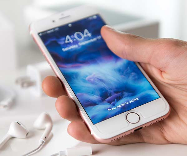 This Is The Worst Mistake You Can Make When Connecting Your iPhone To Bluetooth Devices