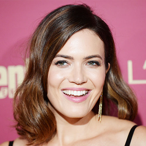This Sexy Pink Dress Has To Be The Shortest Thing Mandy Moore Has Ever Worn, Like, EVER!