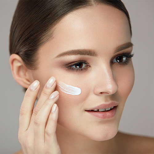 The One Moisturizer Every Woman Should Be Using To Take 10 Years Off Your Face