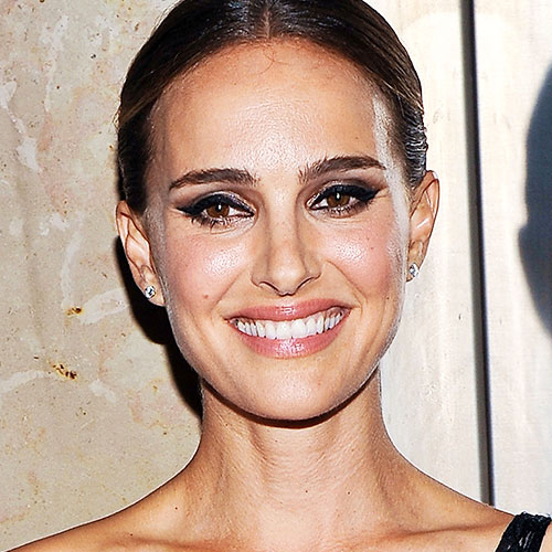 This Low-Cut Dress Has To Be The SEXIEST Thing Natalie Portman Has Ever Worn—Like, EVER!