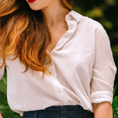 Every Woman Should Own This Classic Button Up Shirt–It Looks Good With Everything