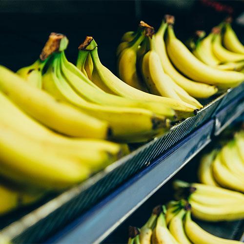 bananas worst smoothie ingredient because it slows metabolism