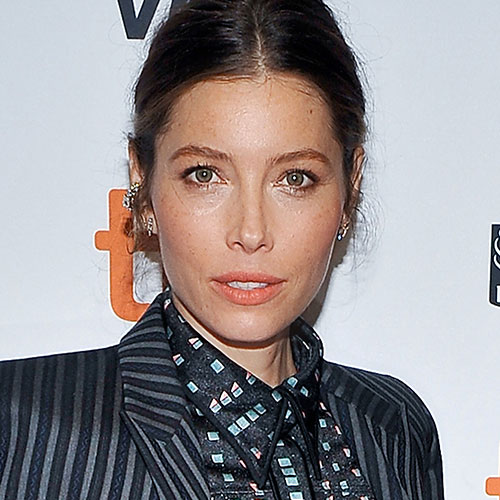 Jessica Biel's Workout Clothes Keep Getting Smaller & Smaller–Her Body Is INCREDIBLE!