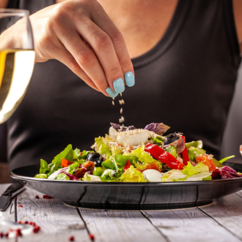 The One Ingredient You Should Always Add To Salads To Speed Up Your Metabolism and Burn Calories