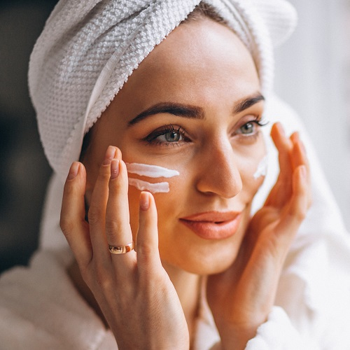 These Are The Best Facial Moisturizers, Whether Your Skin Is Dry, Oily, Sensitive Or Combination