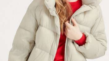 The One Coat You NEED To Buy From Uniqlo While It's On Sale For $39--Hurry It's Selling Out Fast!