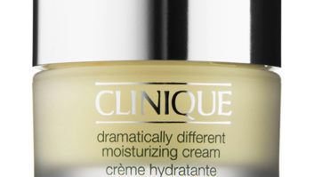 The One Day Cream Women Over 40 Should Use For Dark Spots And Sagging Skin