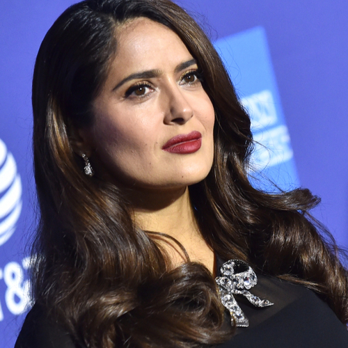 We STILL Can't Get Over The Dangerously Low-Cut Dress That Salma Hayek Wore On The Red Carpet!