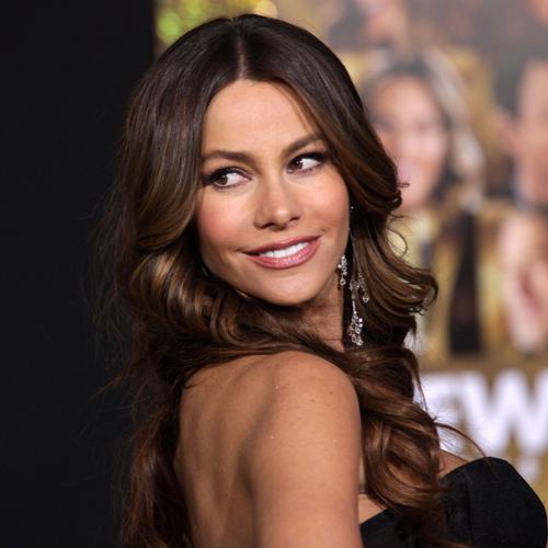 You Won't Believe How Low-Cut Sofia Vergara's Golden Globes Gown Was!