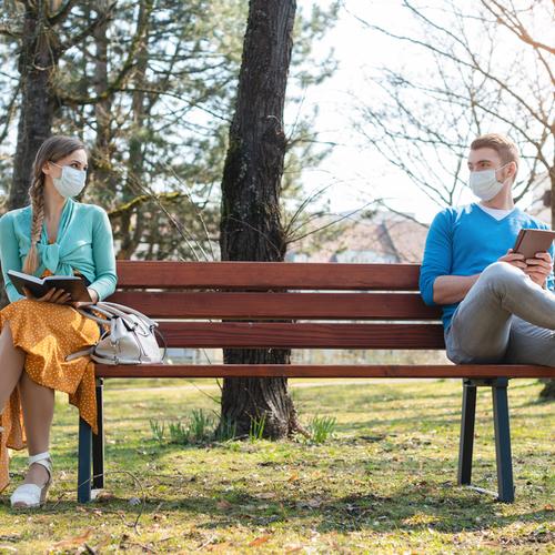 social distancing in park
