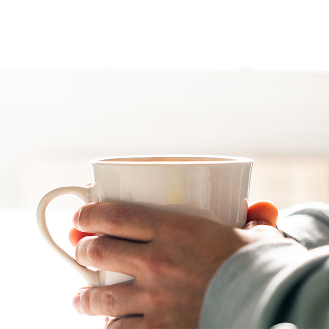 The One Hot Drink You Should Have Every Morning Because It Reduces Bloat FOR GOOD