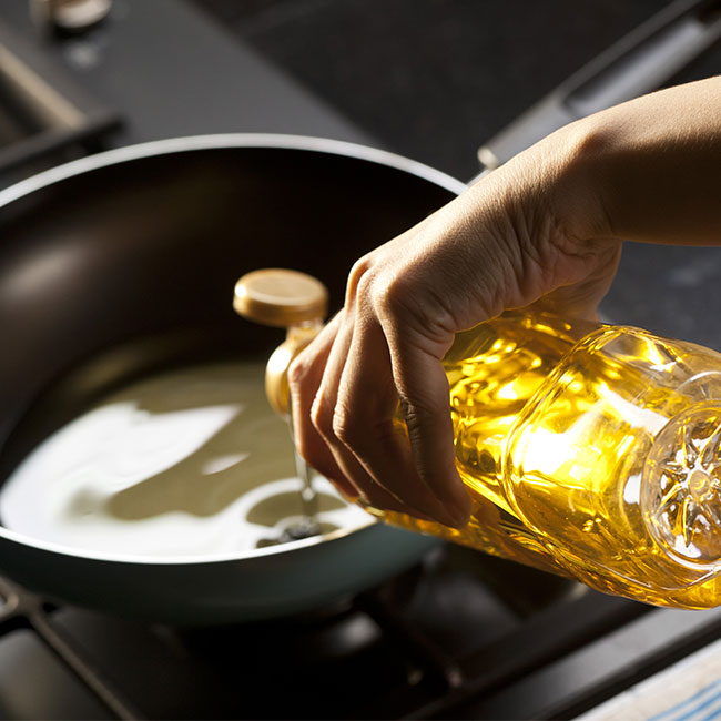 The One Cooking Oil You Should Stop Using Immediately Because It Slowly Destroys Your Metabolism