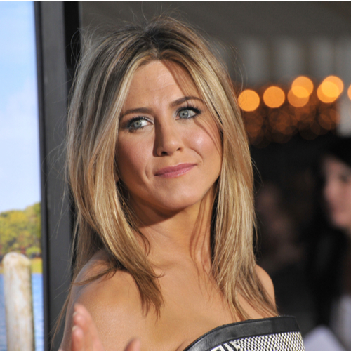 We STILL Can't Get Over The Dangerously Low-Cut Dress That Jennifer Aniston Wore To The Emmys