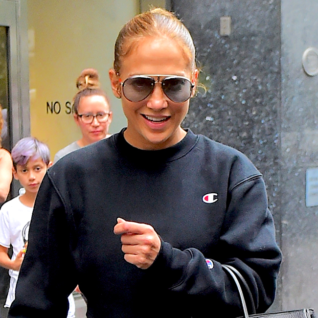 This Makeup Free Selfie Proves Once For All That Jennifer Lopez Is Aging Backwards