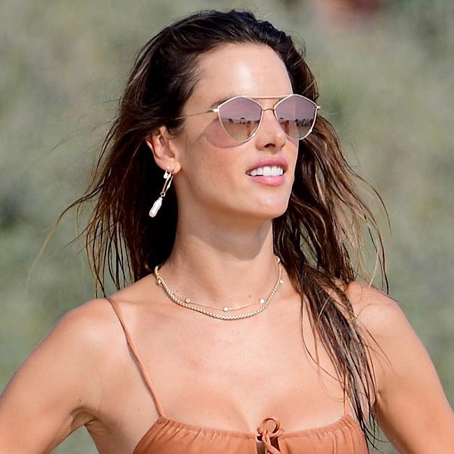 Alessandra Ambrosio Hasn't Worn A High-Cut String Bikini THIS Sexy Since Her Victoria's Secret Days–See The Pics!