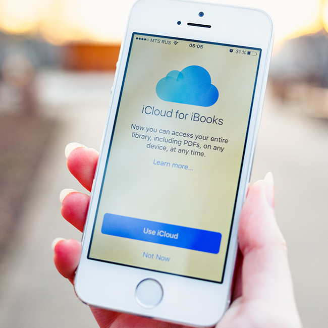 The One iCloud Setting Apple Experts Say You Should Turn Off Now To Double Your Battery Life