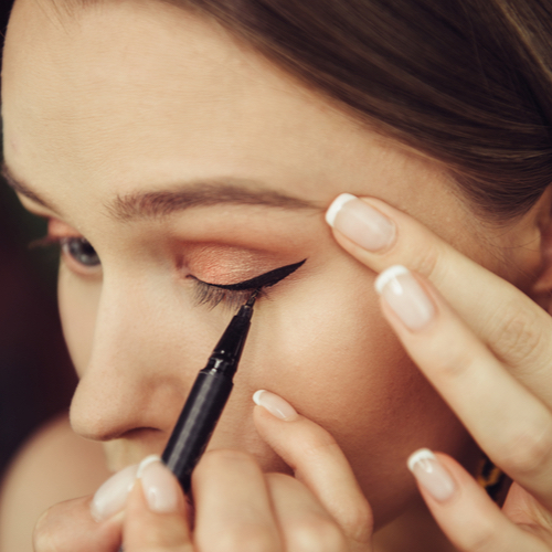 3 Eyeliner Tricks To Instantly Brighten And Lift Your Eyes