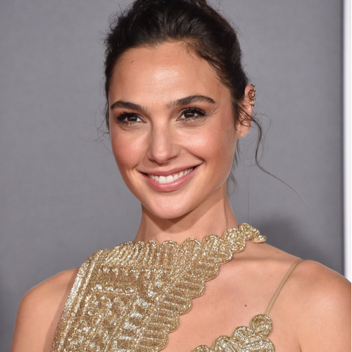 Gal Gadot's Mini Dress For The Golden Globes Is Too Hot To Handle–See The Pics!