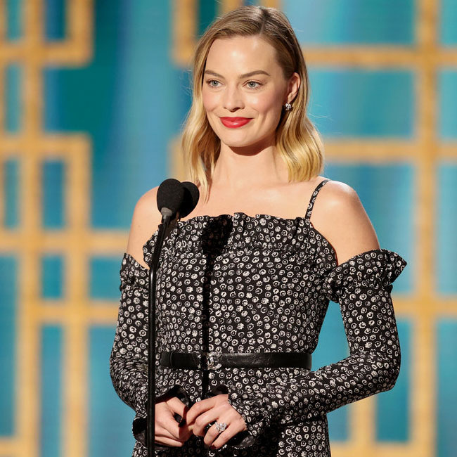 We STILL Can't Get Over The High-Slit Dress Margot Robbie Wore On The Red Carpet