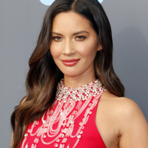 Olivia Munn Just Wore The Skimpiest Crop Top Ever She's Never Looked Hotter!