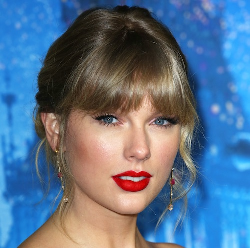 We've Never Seen Taylor Swift Wear Something THIS Short On The Red Carpet Before--It's Unreal!