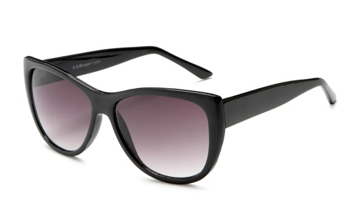 Gap Sunglasses Womens  mice williams nails the laid back weekend vibe