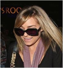 lauren conrad wears big sunglasses