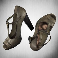 simply vera for kohls shoes